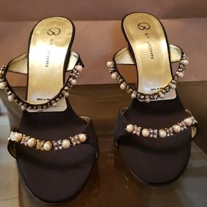 ST JOHN HEELS 3.5 inches hight satin pearls